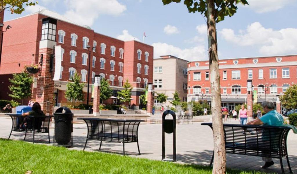 properties in Brantford, Ontario