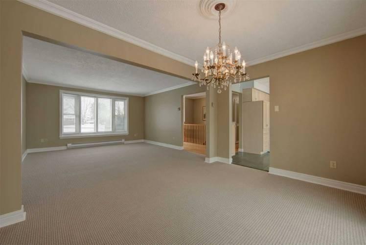 337 Country Club Circ- Kawartha Lakes- Ontario K0M 1A0, 2 Bedrooms Bedrooms, 6 Rooms Rooms,2 BathroomsBathrooms,Detached,Sale,Country Club,X4784303