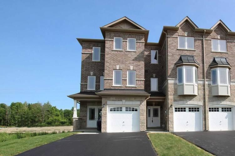 66 Milson Cres, Essa, Ontario L0M1B4, 4 Bedrooms Bedrooms, 9 Rooms Rooms,4 BathroomsBathrooms,Att/row/twnhouse,Sale,Milson,N4786843