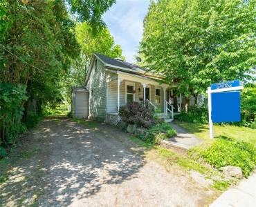 48 Rousseaux St- Hamilton- Ontario L9G 2W7, 2 Bedrooms Bedrooms, 6 Rooms Rooms,1 BathroomBathrooms,Detached,Sale,Rousseaux,X4788288