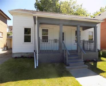 81 Mcmillan Dr- Oshawa- Ontario L1G3Z7, 2 Bedrooms Bedrooms, 8 Rooms Rooms,3 BathroomsBathrooms,Triplex,Sale,Mcmillan,E4792014