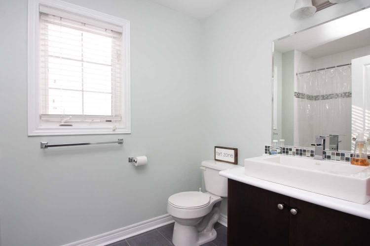 2 Flynn Ave- Kawartha Lakes- Ontario K9V 0B2, 3 Bedrooms Bedrooms, 10 Rooms Rooms,3 BathroomsBathrooms,Detached,Sale,Flynn,X4793879