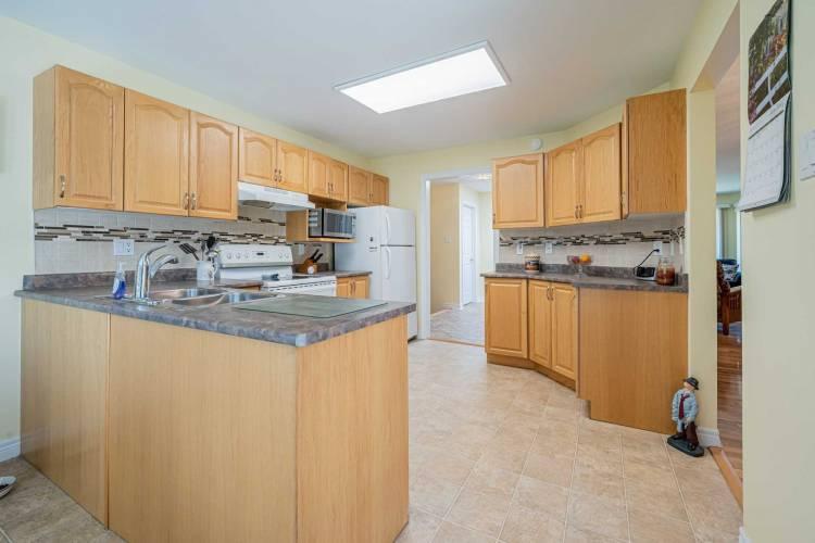 76 Island Bay Dr- Kawartha Lakes- Ontario K0M 1A0, 2 Bedrooms Bedrooms, 8 Rooms Rooms,3 BathroomsBathrooms,Detached,Sale,Island Bay,X4795200