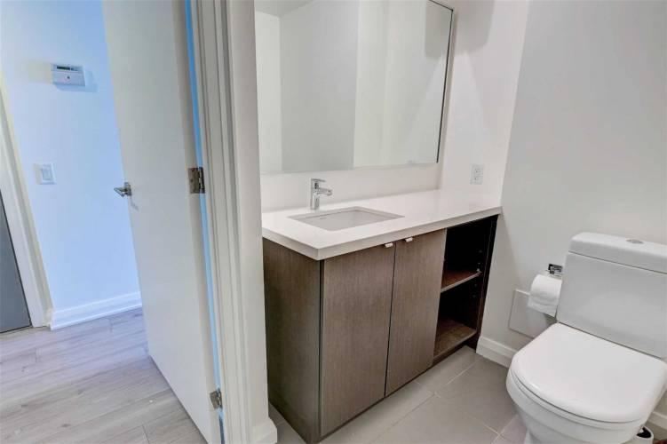 155 Yorkville Ave, Toronto, Ontario M5R1C4, 1 Bedroom Bedrooms, 3 Rooms Rooms,1 BathroomBathrooms,Condo Apt,Sale,Yorkville,C4796032