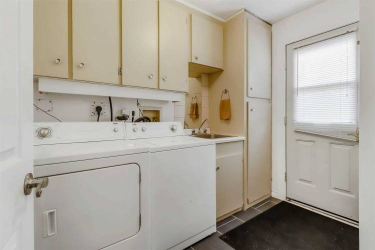 290 Annsheila Dr, Georgina, Ontario L4P3A5, 2 Bedrooms Bedrooms, 5 Rooms Rooms,1 BathroomBathrooms,Detached,Sale,Annsheila,N4798457