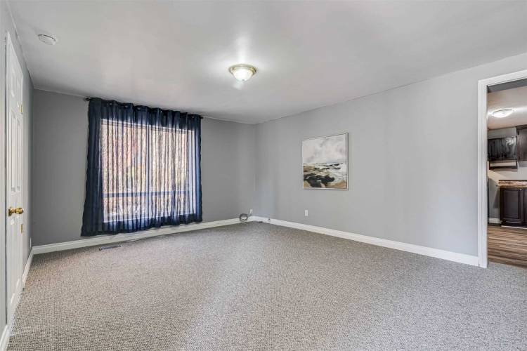 15 First Ave, Orangeville, Ontario L9W1H7, 3 Bedrooms Bedrooms, 6 Rooms Rooms,1 BathroomBathrooms,Detached,Sale,First,W4725196