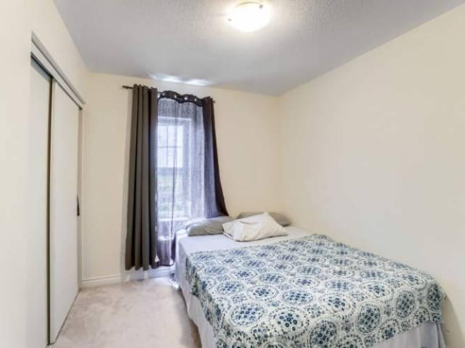103 Baycliffe Cres- Brampton- Ontario L1P1W4, 3 Bedrooms Bedrooms, 7 Rooms Rooms,3 BathroomsBathrooms,Att/row/twnhouse,Sale,Baycliffe,W4797773