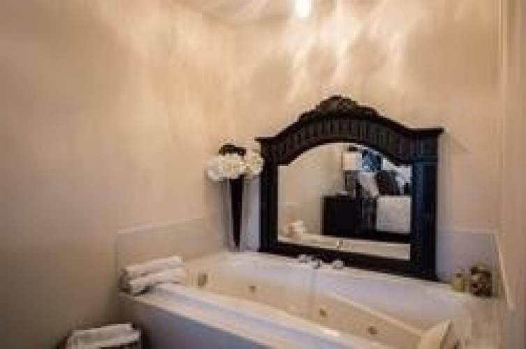 1131 Kell St- Innisfil- Ontario L9S4W4, 3 Bedrooms Bedrooms, 6 Rooms Rooms,3 BathroomsBathrooms,Detached,Sale,Kell,N4799792