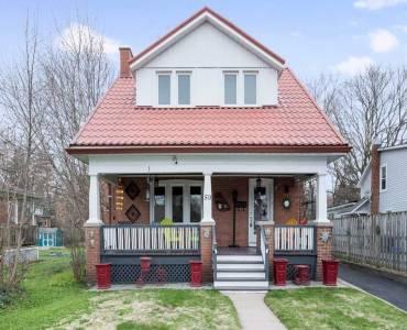 50 Sophia St, Barrie, Ontario L4M1Y4, 3 Bedrooms Bedrooms, 8 Rooms Rooms,2 BathroomsBathrooms,Detached,Sale,Sophia,S4800072