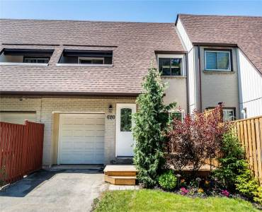 6180 Townwood Crt- Mississauga- Ontario L5N2L4, 3 Bedrooms Bedrooms, 7 Rooms Rooms,2 BathroomsBathrooms,Att/row/twnhouse,Sale,Townwood,W4799672