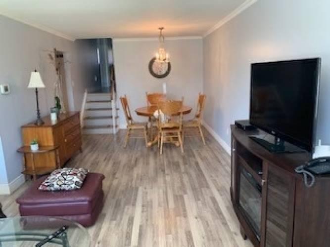 10 Cathcart Cres, Brampton, Ontario L6T2A5, 3 Bedrooms Bedrooms, 7 Rooms Rooms,2 BathroomsBathrooms,Semi-detached,Sale,Cathcart,W4799976