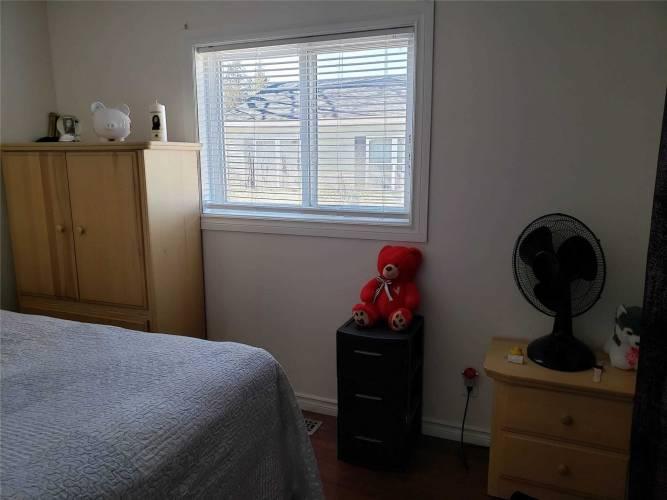 12 Dogwood Rd- Puslinch- Ontario N0B2J0, 2 Bedrooms Bedrooms, 5 Rooms Rooms,1 BathroomBathrooms,Detached,Sale,Dogwood,X4771459