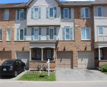 39 Pennefather Lane- Ajax- Ontario L1T4H1, 3 Bedrooms Bedrooms, 7 Rooms Rooms,2 BathroomsBathrooms,Condo Townhouse,Sale,Pennefather,E4769488