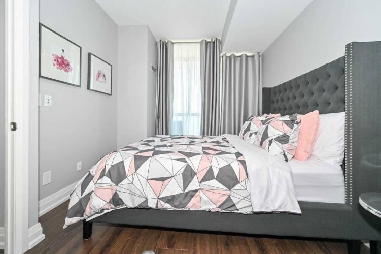225 Webb Dr- Mississauga- Ontario L5B4P2, 2 Bedrooms Bedrooms, 5 Rooms Rooms,2 BathroomsBathrooms,Condo Apt,Sale,Webb,W4798127