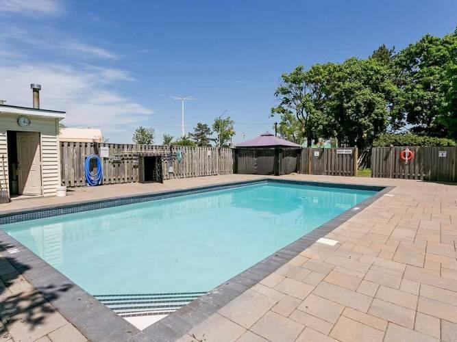 700 Dynes Rd, Burlington, Ontario L7N3M2, 2 Bedrooms Bedrooms, 7 Rooms Rooms,2 BathroomsBathrooms,Condo Apt,Sale,Dynes,W4798360