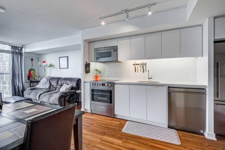 85 Queens Wharf Rd, Toronto, Ontario M5V0J9, 1 Bedroom Bedrooms, 4 Rooms Rooms,1 BathroomBathrooms,Condo Apt,Sale,Queens Wharf,C4799484