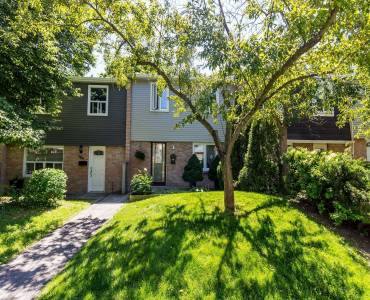 1050 Shawnmarr Rd, Mississauga, Ontario L5H3V1, 3 Bedrooms Bedrooms, 6 Rooms Rooms,2 BathroomsBathrooms,Condo Townhouse,Sale,Shawnmarr,W4798487
