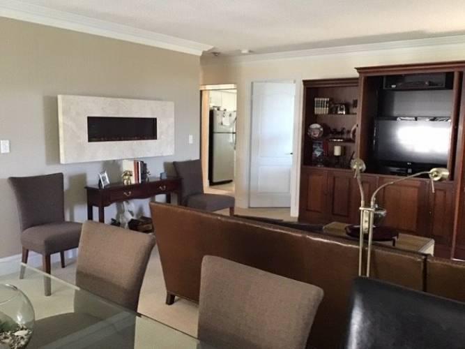 1000 The Esplanade- Pickering- Ontario L1V6V4, 2 Bedrooms Bedrooms, 6 Rooms Rooms,2 BathroomsBathrooms,Condo Apt,Sale,The Esplanade,E4799867