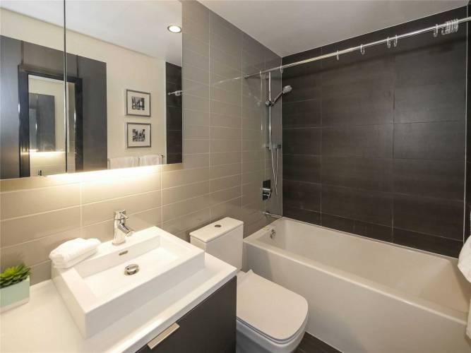 170 Bayview Ave, Toronto, Ontario M5A0M4, 3 Rooms Rooms,1 BathroomBathrooms,Condo Apt,Sale,Bayview,C4800161