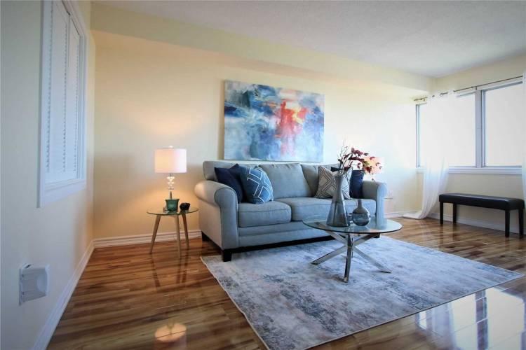1580 Mississauga Valley Blvd, Mississauga, Ontario L5A3T8, 3 Bedrooms Bedrooms, 10 Rooms Rooms,2 BathroomsBathrooms,Condo Apt,Sale,Mississauga Valley,W4800237