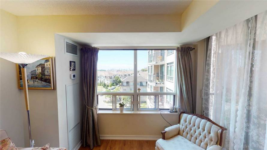 16 Dallimore Circ- Toronto- Ontario M3C4C4, 1 Bedroom Bedrooms, 4 Rooms Rooms,1 BathroomBathrooms,Condo Apt,Sale,Dallimore,C4801089