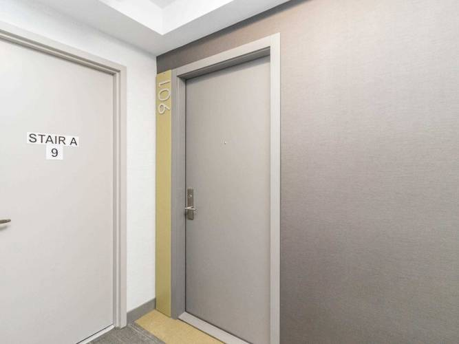 20 Thomas Riley Rd- Toronto- Ontario M9B0C3, 1 Bedroom Bedrooms, 5 Rooms Rooms,1 BathroomBathrooms,Condo Apt,Sale,Thomas Riley,W4801192