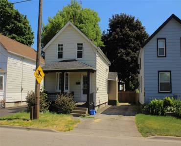 133 Barrie Ave- Oshawa- Ontario L1H2L4, 3 Bedrooms Bedrooms, 7 Rooms Rooms,1 BathroomBathrooms,Detached,Sale,Barrie,E4801747