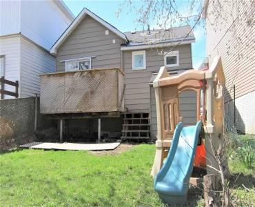 197 Barrie Rd, Orillia, Ontario L3V 2P6, 2 Bedrooms Bedrooms, 3 Rooms Rooms,1 BathroomBathrooms,Detached,Sale,Barrie,S4801740