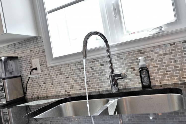288 Glover Rd, Hamilton, Ontario L8E5H6, 3 Bedrooms Bedrooms, 7 Rooms Rooms,3 BathroomsBathrooms,Att/row/twnhouse,Sale,Glover,X4801952