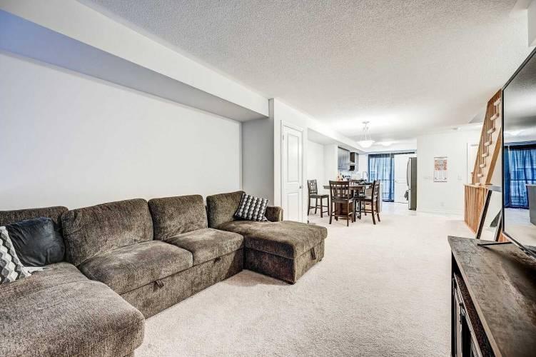 2500 Hill Rise Crt- Oshawa- Ontario L1L0M6, 3 Bedrooms Bedrooms, 5 Rooms Rooms,3 BathroomsBathrooms,Condo Townhouse,Sale,Hill Rise,E4802309