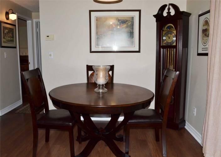 18 The Cove Rd, Clarington, Ontario L1B1B9, 2 Bedrooms Bedrooms, 6 Rooms Rooms,1 BathroomBathrooms,Detached,Sale,The Cove,E4803116