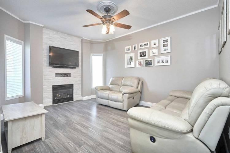 1340 Fox Hill St, Innisfil, Ontario L9S4Y6, 4 Bedrooms Bedrooms, 8 Rooms Rooms,3 BathroomsBathrooms,Detached,Sale,Fox Hill,N4802448