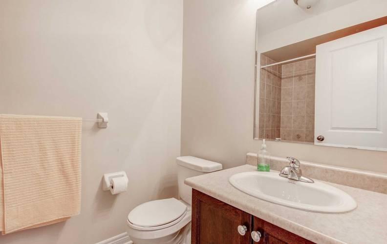 15 Battalion Rd- Brampton- Ontario L7A4B5, 2 Bedrooms Bedrooms, 6 Rooms Rooms,3 BathroomsBathrooms,Att/row/twnhouse,Sale,Battalion,W4763635