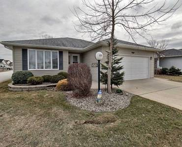 5700 Blackwell Side Rd, Sarnia, Ontario N7W1B7, 2 Bedrooms Bedrooms, 4 Rooms Rooms,2 BathroomsBathrooms,Detached,Sale,Blackwell Side,X4720212