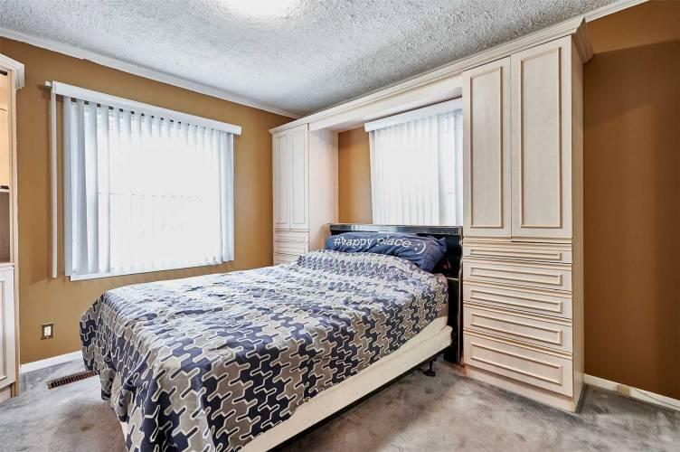 110 Granger Ave- Toronto- Ontario M1K3L3, 2 Bedrooms Bedrooms, 4 Rooms Rooms,2 BathroomsBathrooms,Detached,Sale,Granger,E4803575