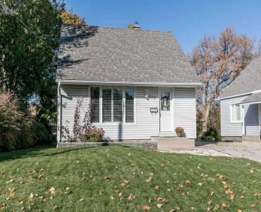 273 Rogers Rd- Newmarket- Ontario L3Y1G5, 2 Bedrooms Bedrooms, 5 Rooms Rooms,2 BathroomsBathrooms,Detached,Sale,Rogers,N4803737