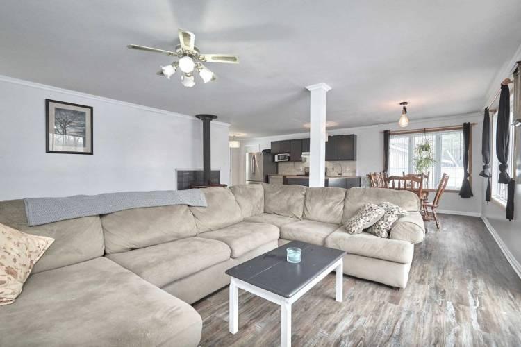 7229 Davy Dr- Ramara- Ontario L0K 2B0, 3 Bedrooms Bedrooms, 7 Rooms Rooms,2 BathroomsBathrooms,Detached,Sale,Davy,S4803503