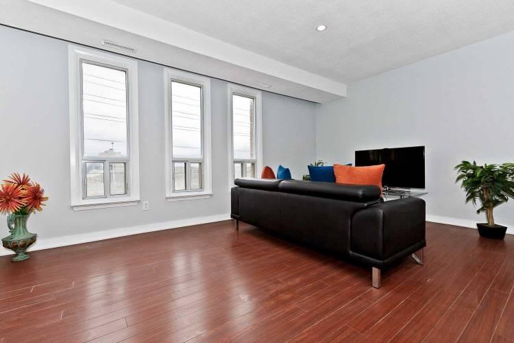 28 Rexdale Blvd, Toronto, Ontario M9W5Z3, 2 Bedrooms Bedrooms, 4 Rooms Rooms,2 BathroomsBathrooms,Condo Townhouse,Sale,Rexdale,W4752690