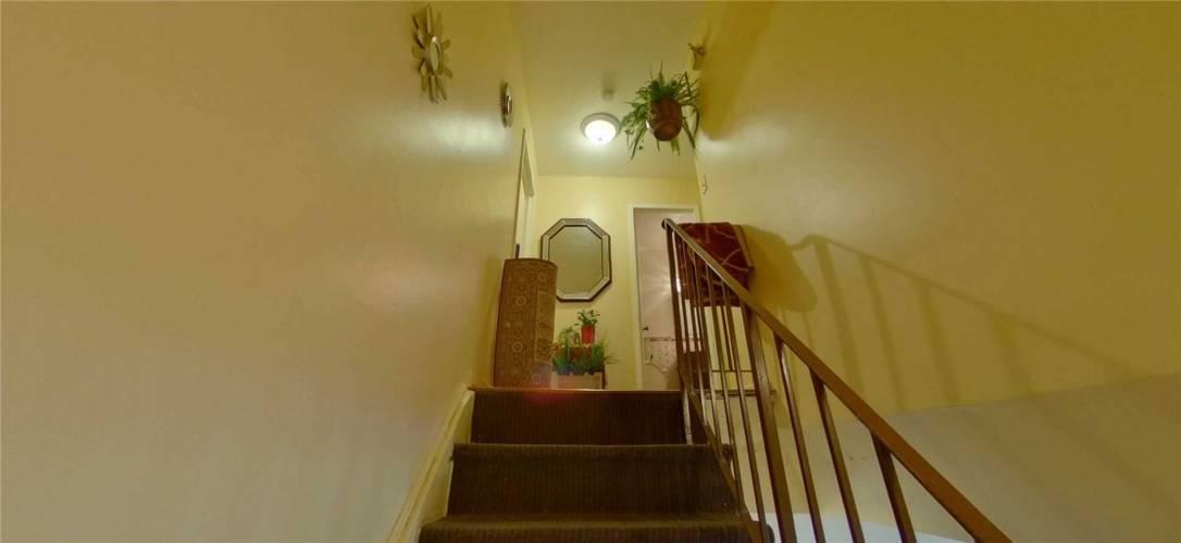2095 Roche Crt- Mississauga- Ontario L5K2C8, 3 Bedrooms Bedrooms, 6 Rooms Rooms,2 BathroomsBathrooms,Condo Townhouse,Sale,Roche,W4779770