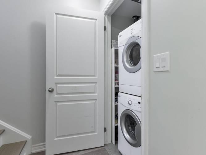 94 Caledonia Park Rd, Toronto, Ontario M6H0B2, 2 Bedrooms Bedrooms, 5 Rooms Rooms,1 BathroomBathrooms,Condo Townhouse,Sale,Caledonia Park,W4802675