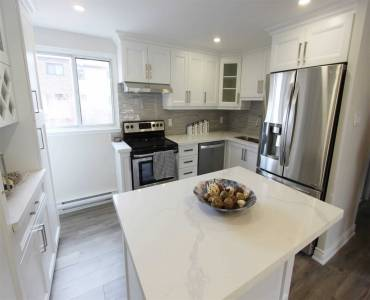 180 Mississauga Valley Blvd, Mississauga, Ontario L5A3M2, 3 Bedrooms Bedrooms, 8 Rooms Rooms,3 BathroomsBathrooms,Condo Townhouse,Sale,Mississauga Valley,W4803231