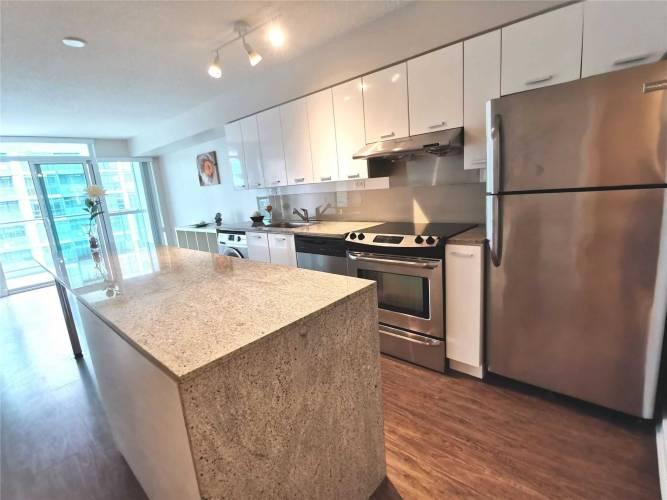 15 Singer Crt, Toronto, Ontario M2K0B1, 1 Bedroom Bedrooms, 5 Rooms Rooms,2 BathroomsBathrooms,Condo Apt,Sale,Singer,C4803333