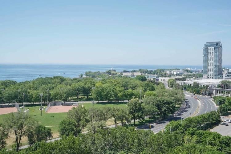 219 Fort York Blvd- Toronto- Ontario M5V1B1, 1 Bedroom Bedrooms, 5 Rooms Rooms,1 BathroomBathrooms,Condo Apt,Sale,Fort York,C4803529