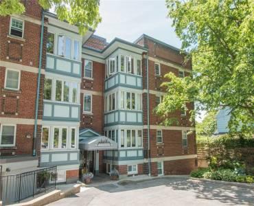15- 21 Glenfern Ave- Toronto- Ontario M4E1B8, 1 Bedroom Bedrooms, 5 Rooms Rooms,1 BathroomBathrooms,Co-op Apt,Sale,Glenfern,E4803635
