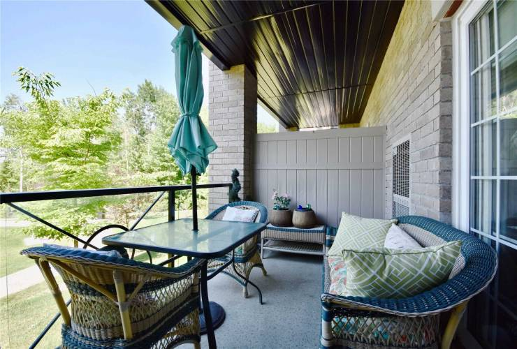 44 Ferndale Dr, Barrie, Ontario L4N9V4, 3 Bedrooms Bedrooms, 6 Rooms Rooms,2 BathroomsBathrooms,Condo Apt,Sale,Ferndale,S4803850
