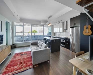36 Howard Park Ave, Toronto, Ontario M6R0A5, 1 Bedroom Bedrooms, 5 Rooms Rooms,1 BathroomBathrooms,Condo Apt,Sale,Howard Park,W4803569