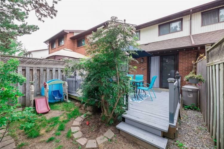 117 Foster Cres- Brampton- Ontario L6V3M8, 3 Bedrooms Bedrooms, 6 Rooms Rooms,2 BathroomsBathrooms,Condo Townhouse,Sale,Foster,W4803845