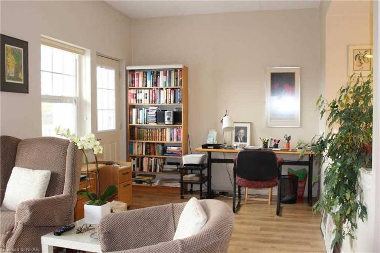 240 Chapel St, Cobourg, Ontario K9A0E3, 2 Bedrooms Bedrooms, 5 Rooms Rooms,2 BathroomsBathrooms,Condo Apt,Sale,Chapel,X4803746