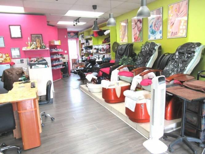 286 Wilson Ave, Toronto, Ontario M3H1S8, ,2 BathroomsBathrooms,Sale Of Business,Sale,Wilson,C4699745