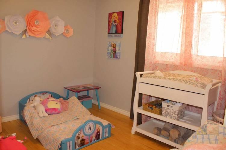 258 Quebec St- Oshawa- Ontario L1J 1Y2, 2 Bedrooms Bedrooms, 4 Rooms Rooms,1 BathroomBathrooms,Detached,Sale,Quebec,E4804762